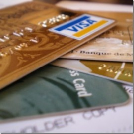Стоит ли заводить банковскую карту?
